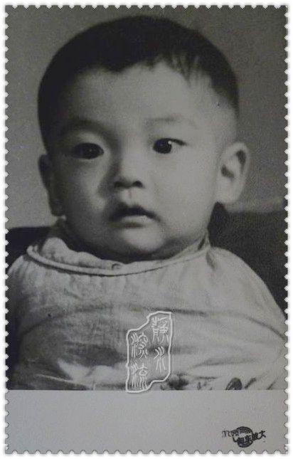 想起童年的我们,晒晒小时候可爱的老照片