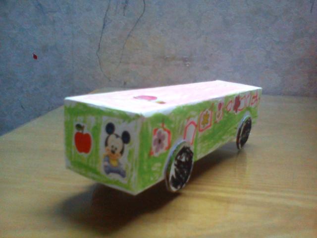 用牙膏盒做汽车步骤