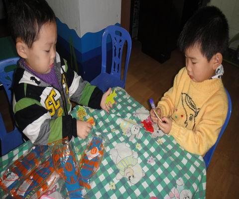 绥滨农场幼儿园小班创意手工制作