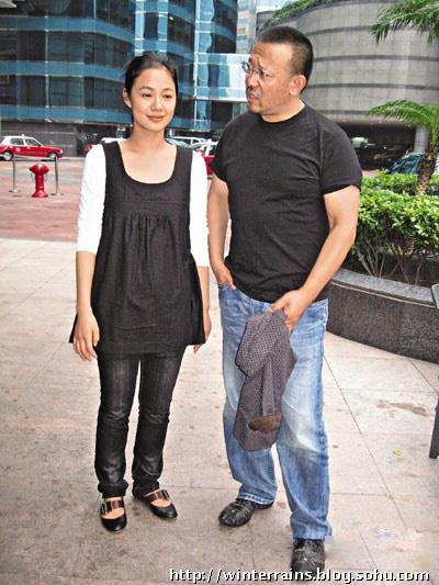 刘晓庆与姜文的女儿_49岁姜文昔日罕见私家老照片曝光(组图)-北京冬雨-搜狐博客