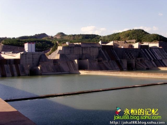 游黄河小浪底水利风景区